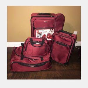 Tag Springfield Luggage Set